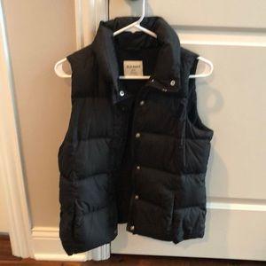 Women's black old navy puffer vest